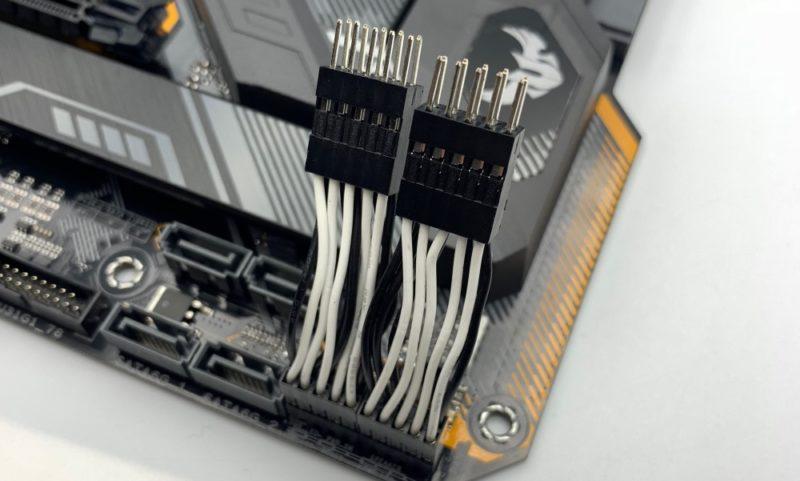 「コネクタ簡単脱着ケーブル」を使うと便利