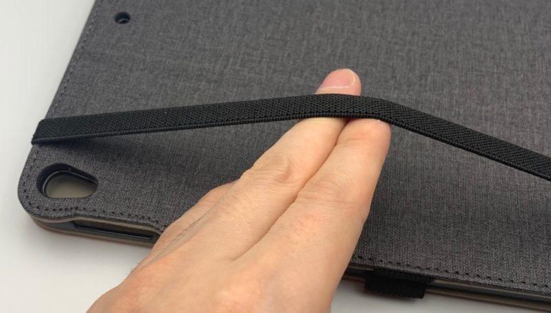 Ztotopの手帳型スマートカバーの背面には、細長いゴムバンドがあります。