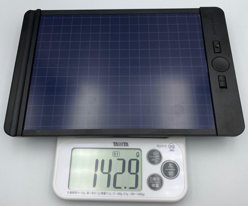 本体の重さは約143g