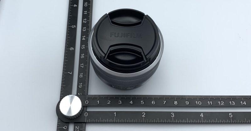 付属レンズの直径は 約6.5cm