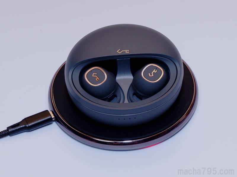 AUKEY EP-T10 は充電もワイヤレス充電(Qi)に対応