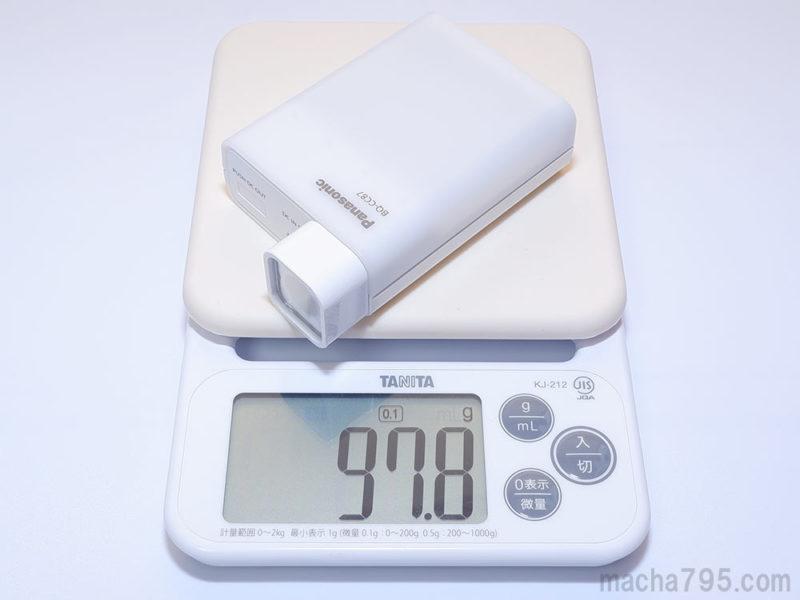 LEDライトアタッチメントを装着すると98gと、100gを切る軽さです。