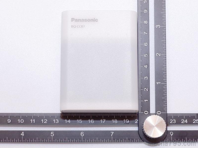 充電器本体の大きさは、横6.5cm、縦8.5cm、厚さ28.5cmです。