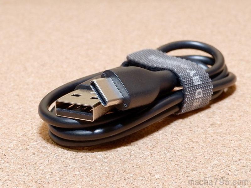 USB-Cケーブルが1本付属しています。