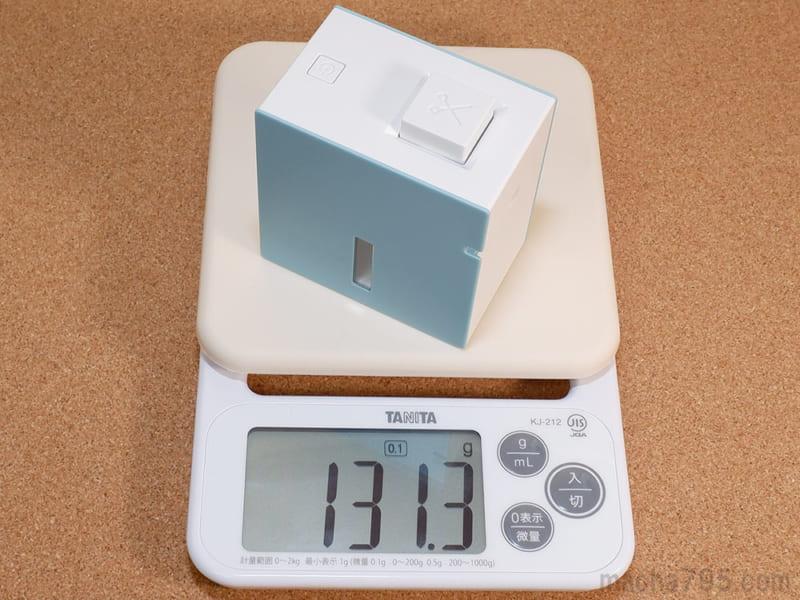 電池やテープを含めない重さは約131g