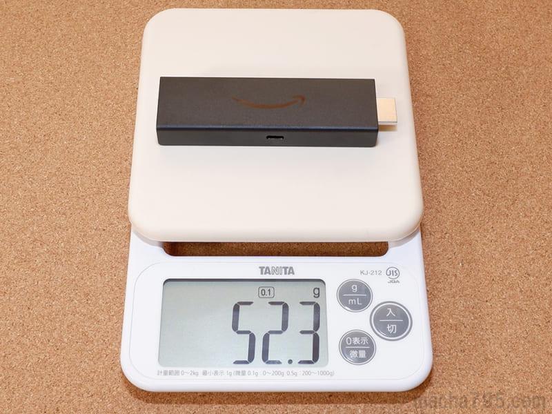 Fire TV Stick 4K本体の重さは約52gです。