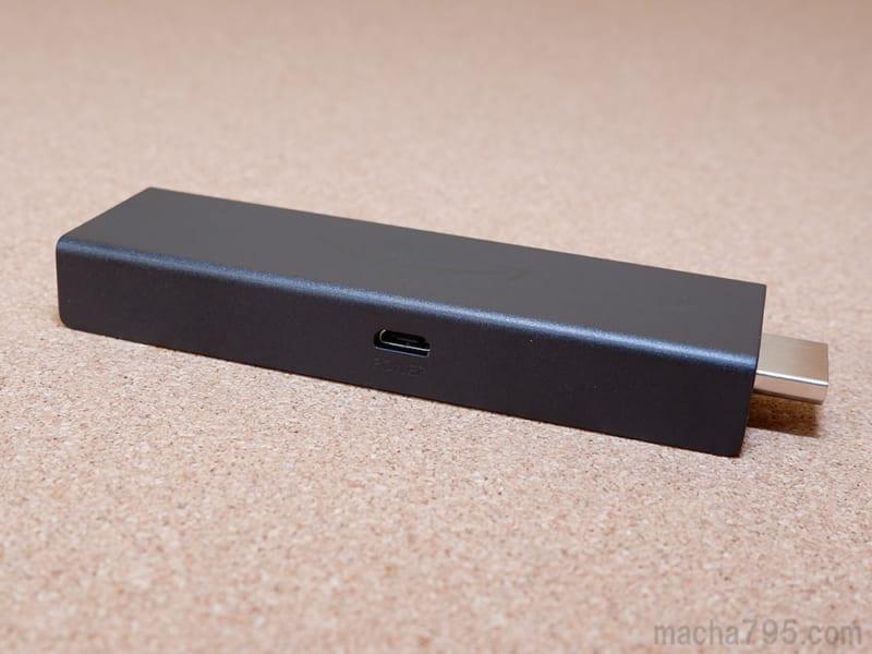 サイドには電源供給用のMicro USBポートがあります。