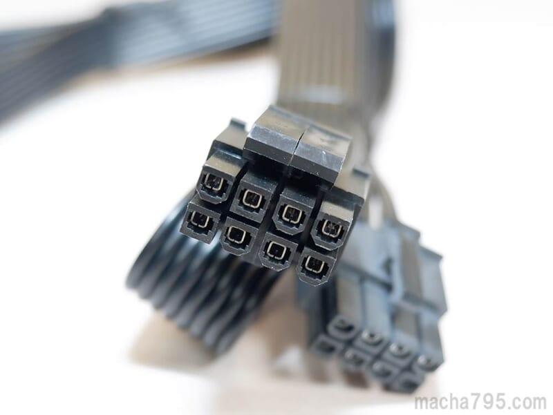 CPU用の電源ケーブル