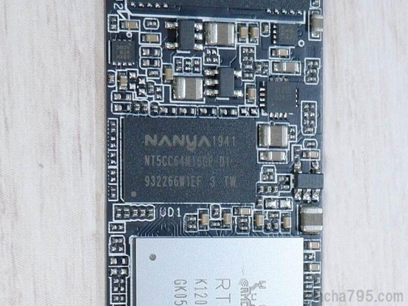 NanyaのDRAMが搭載